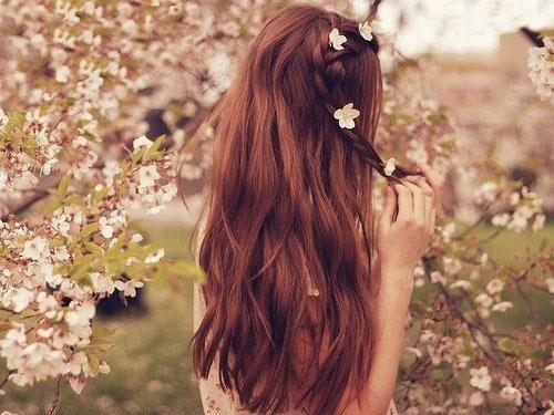Cheveux teints au Henné
